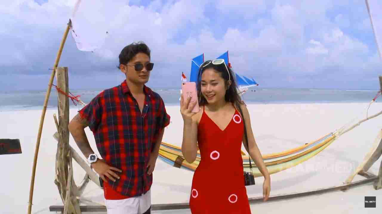trans tvcelebrity on vacation pantai mandala ria