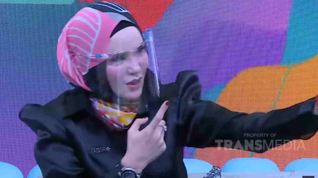 trans tv gosip artis angel lelga